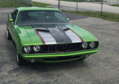 1971-Plymouth-Hemi-CudaACR-Dodge-Viper-ChassisRestomod