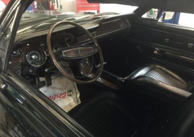 Shelby-GT350-Convertiblehigh-end-paint-job